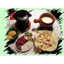 fondue ferro fundido vermelho, aparelho fondue, fondi, rechaud fondue, panela de fondue, panela mineira