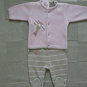 Saída de  Maternidade em tricot  Verde com bege Aviãozinho