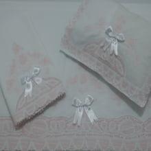 Jogo de berço renda renascença rosa laço   3 peças